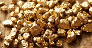 junior gold stocks to buy or sell now
