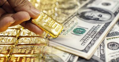 top gold stocks to buy sell right now